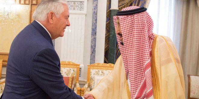 الملك سلمان يستقبل تيلرسون في الرياض (صور)