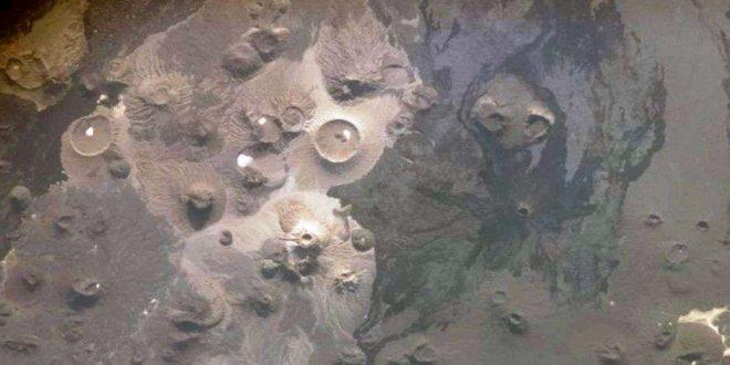 """علماء آثار يعثرون على """"بوابات الجحيم"""" في السعودية (صور)"""