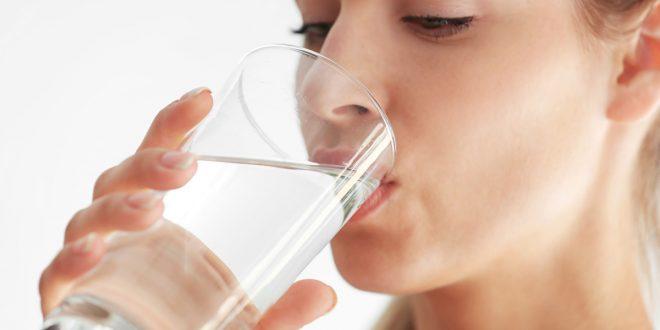 تعرف على الأسرار العجيبة وفوائد الماء بالعسل على الريق