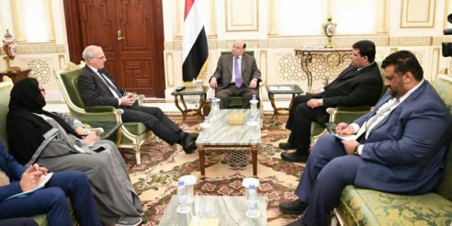 هادي: نتعامل إيجابيا لتنفيذ اتفاق الحديدة رغم مماطلة مليشيا الحوثي