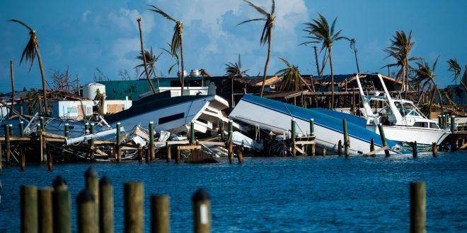 """بعد إعصار """"دوريان"""".. عاصفة """"أومبرتو"""" تضرب الباهاماس"""