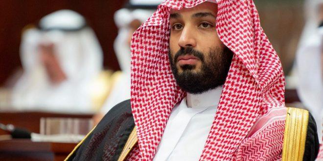 ولي عهد السعودية يستقبل أسرة عبد العزيز الفغم ويتحدث عن علاقته به (فيديو)