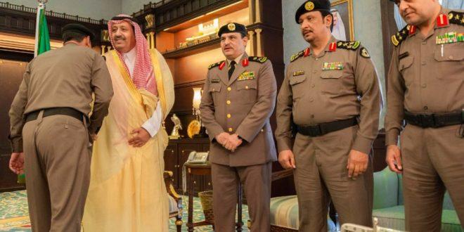 أمير المنطقة يستقبل مدير الشرطة وعدد من القيادات الامنية وعُمد المحافظات