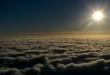 """بساط من الضباب الكثيف يشبه البحر فوق جبال """"الحشر"""" بالسعودية"""