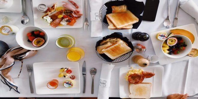 لماذا يجب تجنب وجبة الإفطار المتأخر؟