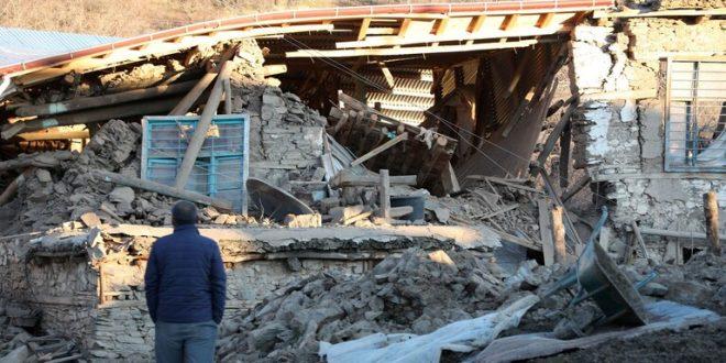 تركيا: ارتفاع عدد قتلى الزلزال إلى 22 وإنقاذ 39 شخصا من تحت الأنقاض